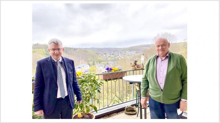 Micheel Conrad mit dem ehemaligen Wirtschaftsförderer Werner Becker.