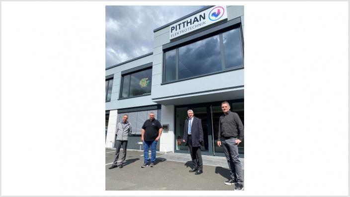 Das Foto zeigt die Firma Pitthan, Christoph Schlathe, Mario Oswald, Michael Conrad und Rüdiger Brauer.